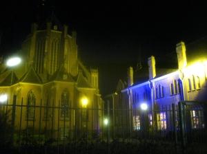 la iglesia y het patronaat noche del cai