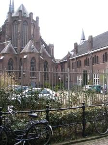La iglesia y Het Patronaat
