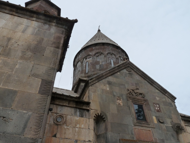 monasterio-de-geghard-12