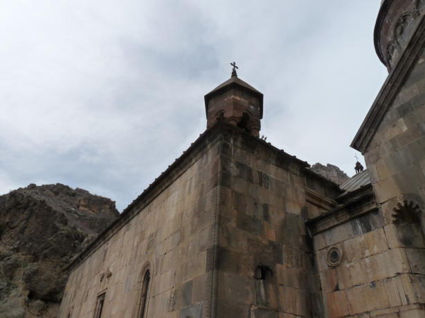monasterio-de-geghard-13