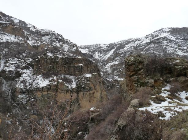 monasterio-de-geghard-2