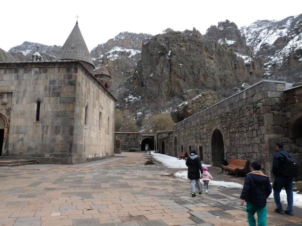 monasterio-de-geghard-5