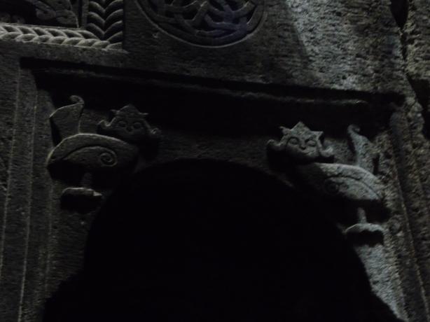 monasterio-de-geghard-8